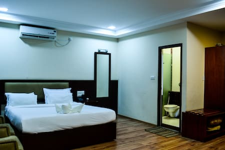Suite Room - HSR Layout - Bed & Breakfast
