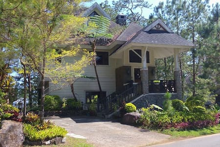 White Cabin House  (5BR/13-15 pax) - Baguio