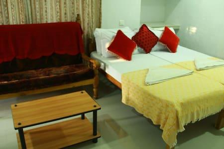 Spacious Private room near Marari Beach - Szoba reggelivel
