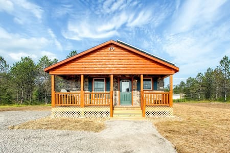 Newly Built 3BR Benezette Cabin - Benezette - Cottage