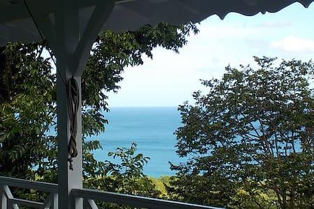 Villa Maya, vue mer des Caraïbes - Deshaies - Casa de campo