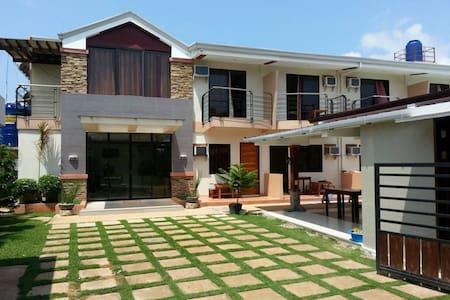 Greenfields Tourist Inn - Panglao Bohol - Bed & Breakfast