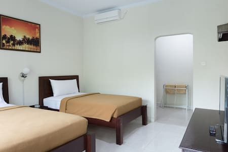 Clean and Simple surfer room, 2 beds - Kuta Selatan - Apartment