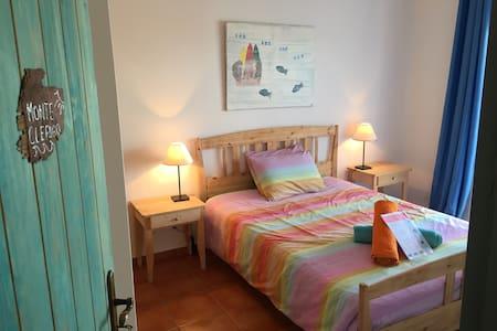 Monte Clerigo room-Villa Vicentine Guest House-- - Aljezur