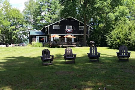 The Stone Lodge, Blythewood Island (Loon Lake, NY) - Rumah
