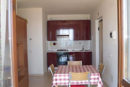 Appartamento per mesi estivi - Massignano - Flat