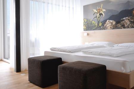Alpenchalet: Komfort Appartment Edelweiss - Huoneisto