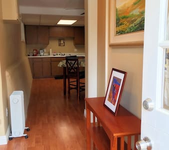 Downtown Paso Wine Country Hideaway - Paso Robles - Apartamento