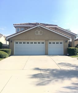 Comfy and clean room! - Rancho Cucamonga - Σπίτι