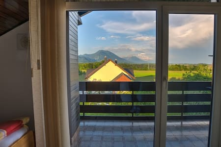 Perfect stay Bled 4 with private Balcony - Bled - Casa