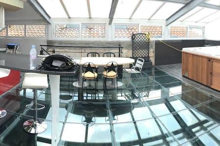 Loft de 350 m², piscine, jacuzzi - Bordeaux - Loft