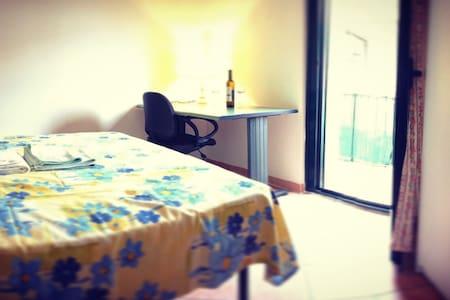 Amazing Seafront Double Bedroom - Tortoreto - House