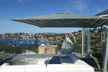 Penthouse with private rooftop - Appartamento