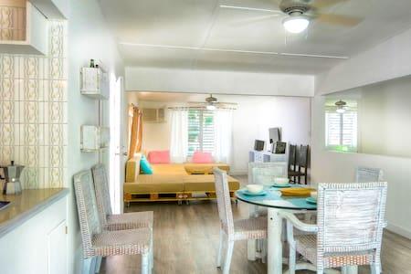 Villa Baboga, cozy cottage 8+, golf Kart included - Contadora - Ház