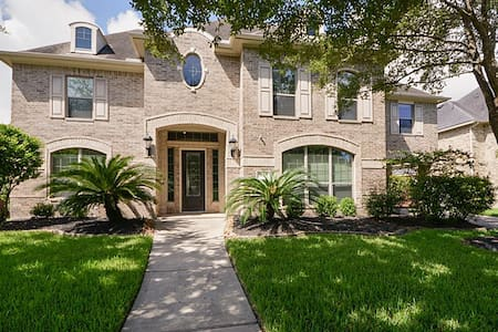 Spacious 4-bedroom Huge House by Lake Houston, IAH - Maison