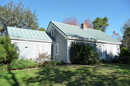 Charming Cottage with fireplace - Harpswell - Rumah