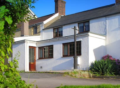 Miners Cottage - 4* self catering - Kenfig Hill