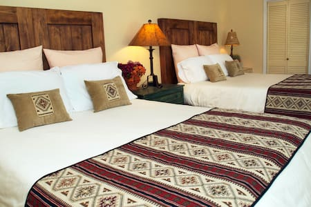 Suite 3- One Bedroom Garden Suite - Bed & Breakfast