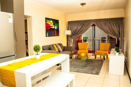 Modern cosy apartment - Sandton - Wohnung
