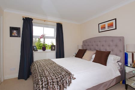 1 double bedroom to rent in Oxford - Kidlington - Casa