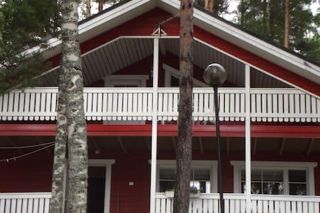 Loma-Koli&Hattusaari House - Hus
