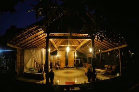 Didu's Homestay bed&bfast pondok 2 - Dom