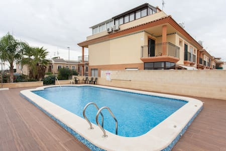 BEAUTIFUL  VILLA  ROOFTERRACE  POOL, WIFI - Chalet