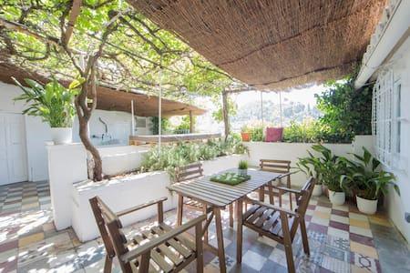 Habitación en casa semicueva, vistas a la Alhambra - House