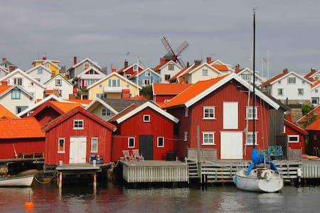 Flott radhus I Molløsund ( Tången) - Cabin