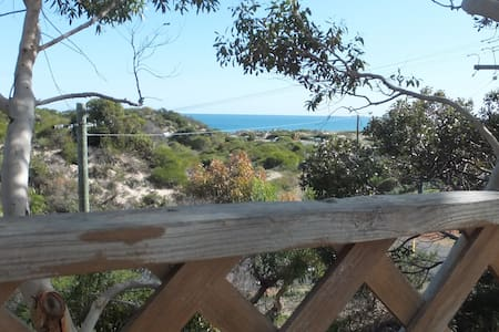 Ocean view Holiday Haven - closest to the beach! - Preston Beach