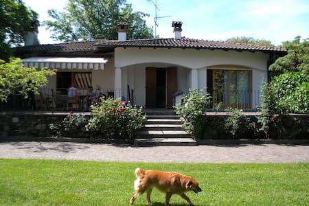 villa con giardino/spiaggia privata - Villa
