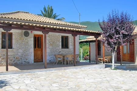 Holiday house in Alykes, Zante - Rumah