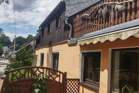 Ruhige Lage 10 min von Annaberg - Tannenberg - Casa