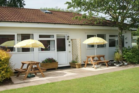 Beaches, 2 Bedroom Holiday Bungalow - (ukendt)