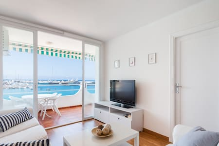 Sea side Apartment with terrace - Calvià - Apartamento