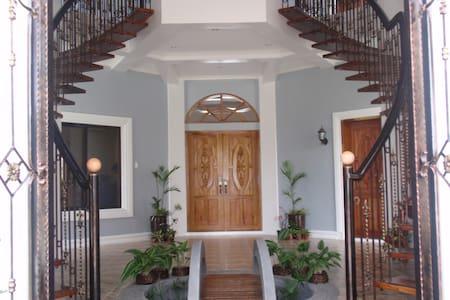 Castillito de Banga Lodge Room 5 - Banga - Casa de camp