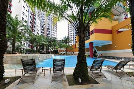 Condo room available long and short term @ 60$/day - Singapura