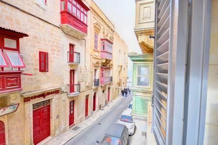 Boutique Studio in Valletta (1A) - Huoneisto