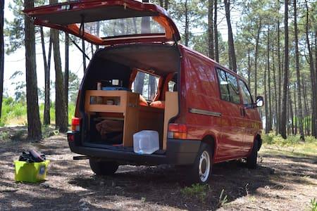 Surf'n Van - Autocaravana - Matosinhos - Wohnwagen/Wohnmobil