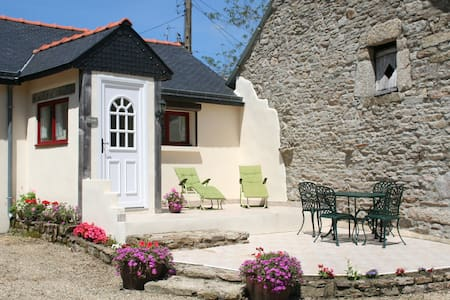 Charming Countryside 2 bed bungalow sleeps 4+ baby - Quistinic