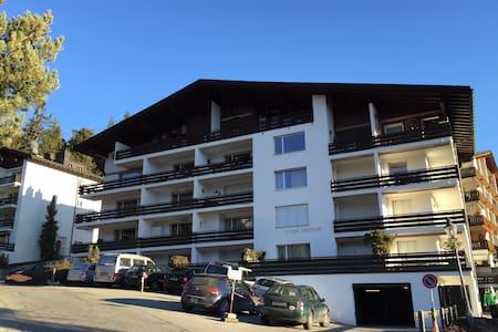 Gepflegte Ferienwohnung in Laax - Apartment