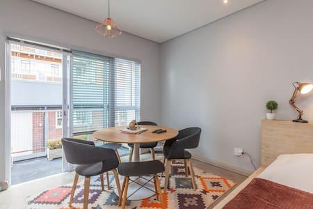 Maboneng Ubuntu City Studio - Apartment