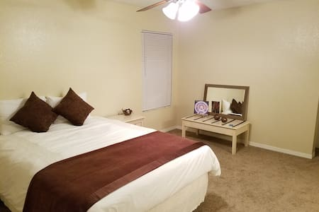 PRIVATE CONFORTABLE SUITE UNIVERSAL/I-DRIVE/MORE! - Orlando