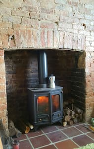Warm and cosy stone terraced house - Mayfield - House