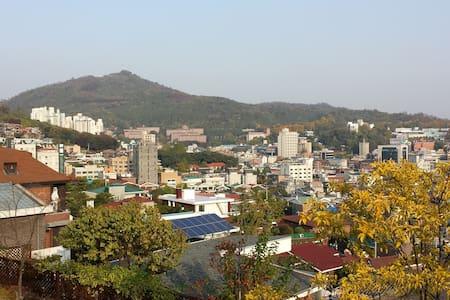 Seoul simple room near Hongdae and Sinchon - Gehele Verdieping