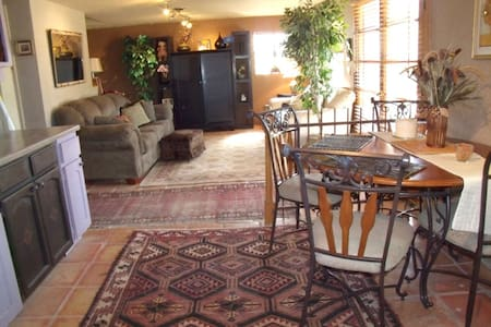 Room type: Entire home/apt Bed type: Real Bed Property type: Bed & Breakfast Accommodates: 3 Bedrooms: 1 Bathrooms: 1
