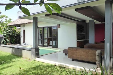Large Open Concept Villa with Pool - South Denpasar