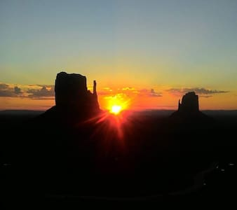 Navajo  camping and RV parking - Oljato-Monument Valley - Autocaravana