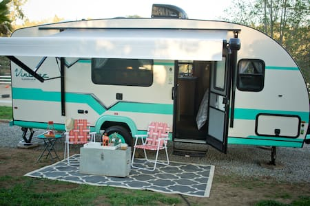 Glamping on a scenic ranch - Fallbrook - Husbil/husvagn