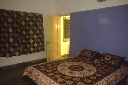 CITY CENTRE, Comfortable, Artful and Budget - Hyderabad - House